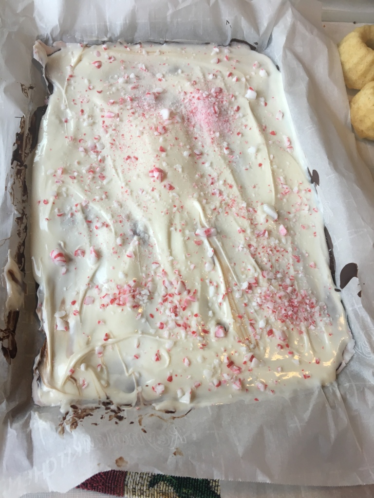 LifeAmorFamily's12daysofbakingandcandymakingDay8PeppermintBark