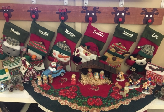 LifeAmorFamily's Reindeer Stocking Hanger DIY