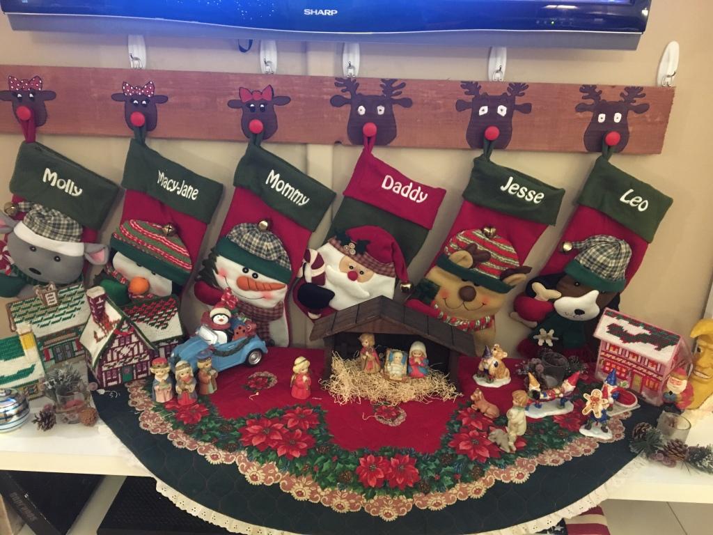 LifeAmorFamily's Reindeer Stocking Hanger DIY